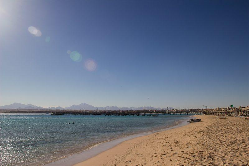 пляж Сахл Хашиш отель Pyramisa
